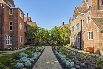Apartment For Sale in King Edward VII Estate - view 3