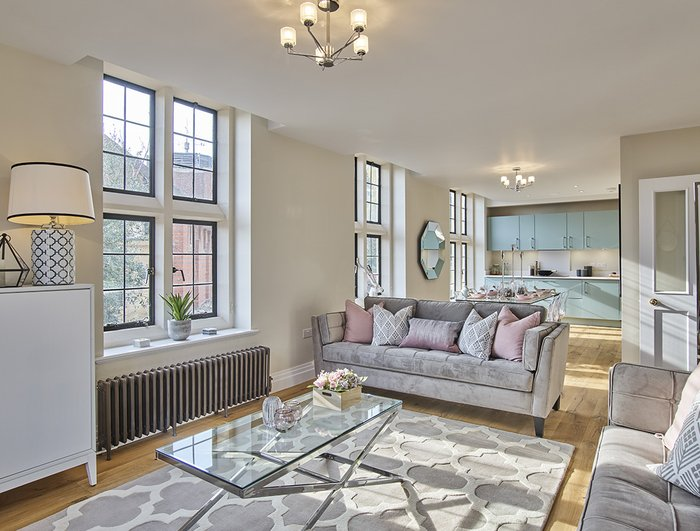 Apartment Reserved in King Edward VII Estate - view 1